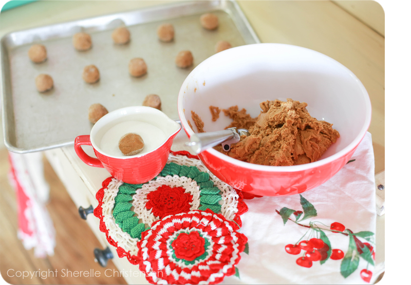 Soft Molasses Cookies 3