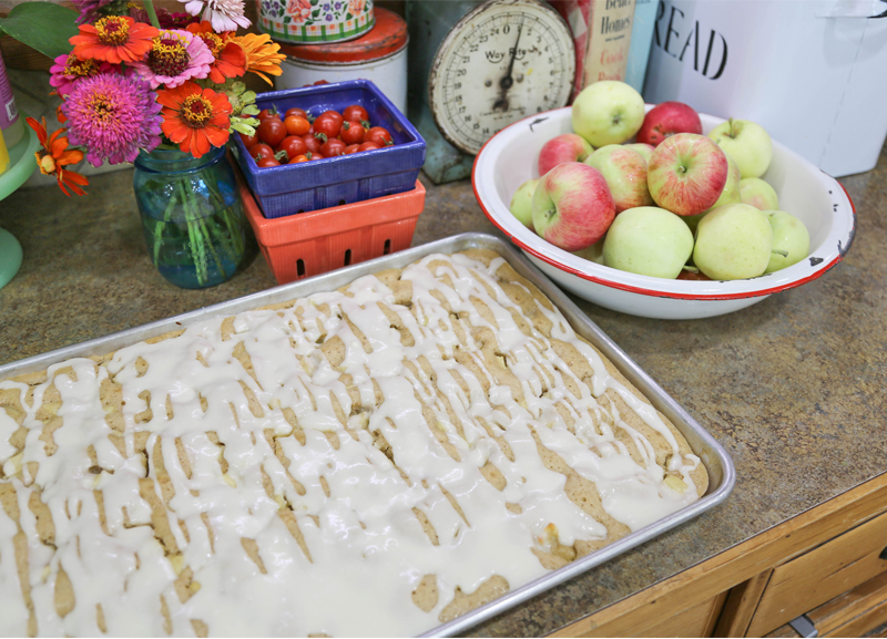 Old Fashioned Apple Sheet Cake